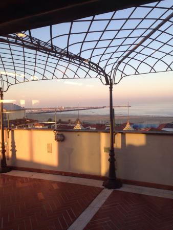 Plaza e De Russie Hotel: Dalla sala da pranzo e colazione