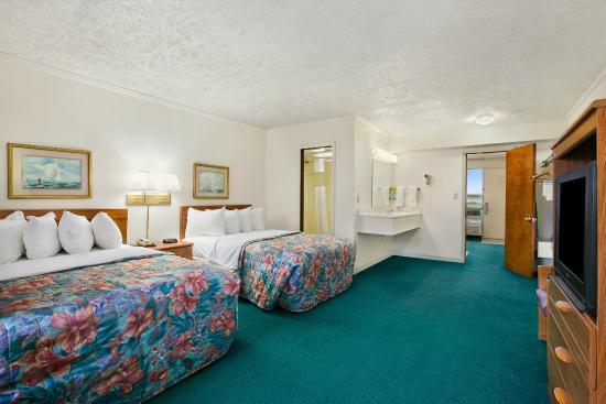 Days Inn Suites Kill Devil Hills Mariner 1st Floor 1 Bedroom