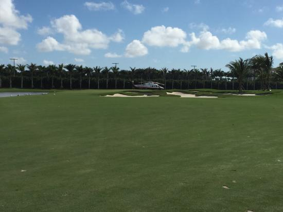 Doral Resort - Gold Golf Course: Mr. Trumps little Toy in the middle of the course!!!
