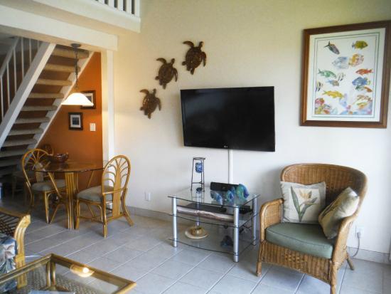 Polynesian Shores: living room