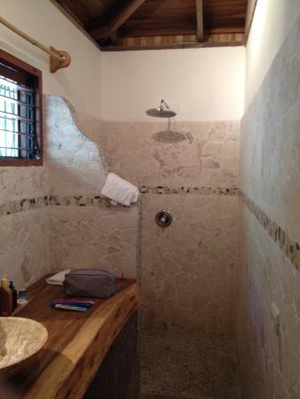 Makanas: Bathroom