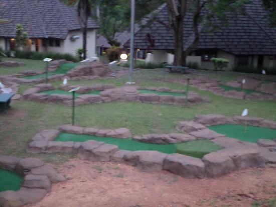 Hazyview Cabanas: Putt Putt golf - Putt Putt Golf - Picture Of Hazyview Cabanas, Hazyview - TripAdvisor