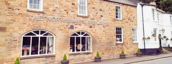 Northumberland Arms: Riverside setting in Beautiful Felton
