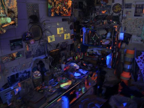 Electric Ladyland - the First Museum of Fluorescent Art: Fluoresce tutto!