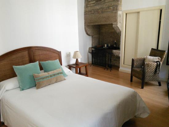 Hotel Gastronómico Arco de Mazarelos: Very comfortable double room ensuite