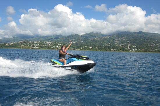 la joie de la vitesse en jet ski picture of tahiti aventures faa 39 a tripadvisor. Black Bedroom Furniture Sets. Home Design Ideas