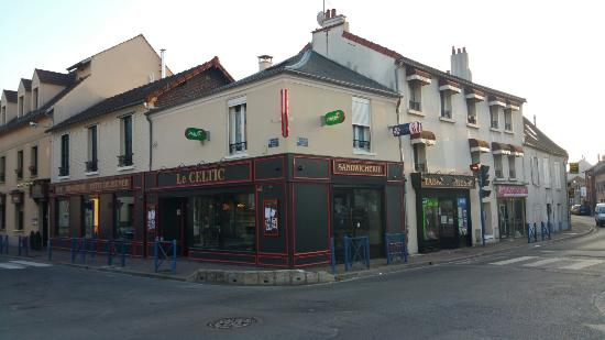 Le Celtic: Bar, hotel, restaurant