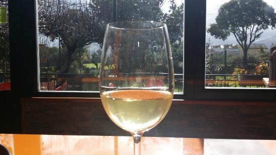 Melide, España: Vinos naturales, ecológicos y de pequeñas bodegas
