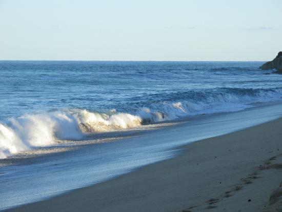Casa Obelisco: The beach at sunrise