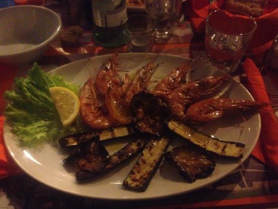 La Cambusa: Gamberoni su un letto di verdure grigliate