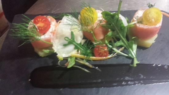 Restaurant La Riviera: Un caprice de saumon..........