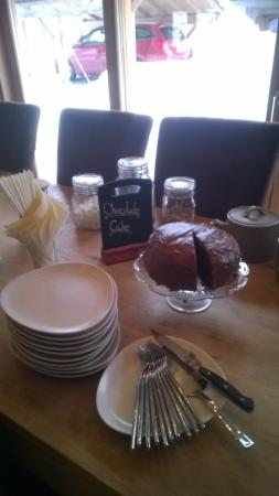 Mountain Spaces - Blue Bird Lodge : Afteroon Tea