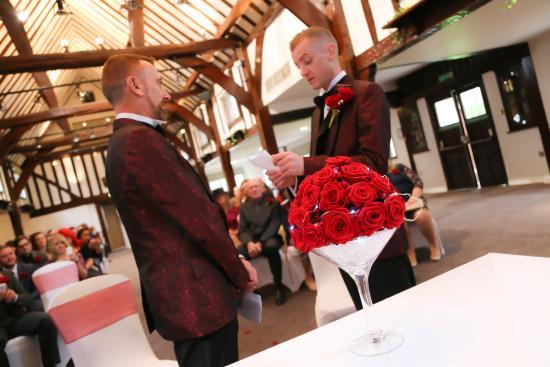 Mercure Box Hill Burford Bridge Hotel: Our Wedding at The Burford Bridge Hotel, Nov 2014