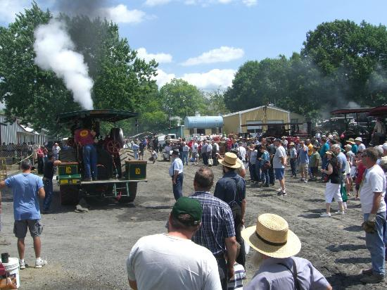 Rough and Tumble Historical Association: Steam engines