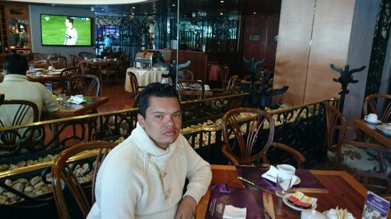 Grand Prix Hotel: Sala de café da manhã