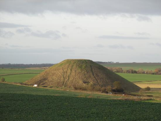 Silbury Hill from West Kennet