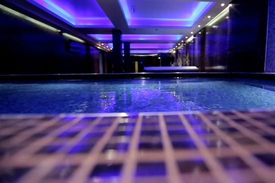 Orbis design hotel spa paracin s rbistan otel for Designhotel 54