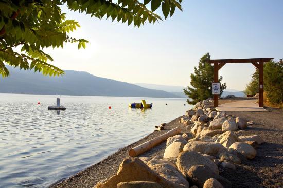 La Casa Cottage Resort: Waterfront & Aqua Park