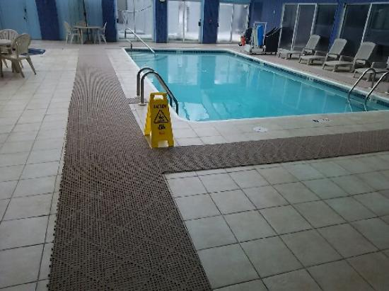 Days Inn Scranton PA: Pool
