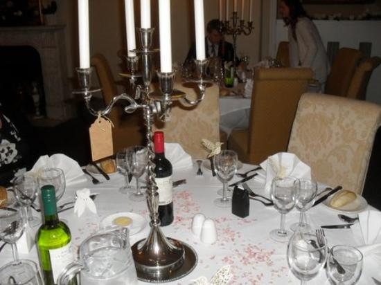 Woodland Manor Hotel: Our dining table at the wedding reception, the tag is our table group ID