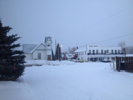 Oak Tree Inn - Yampa : This is the view across the street (though the building on the right just burned to the ground)