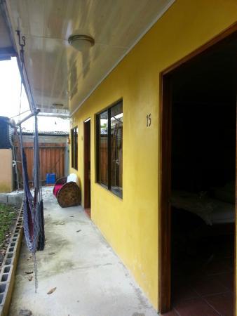 Hotel Lavas del Arenal: Fuera de mi habitación