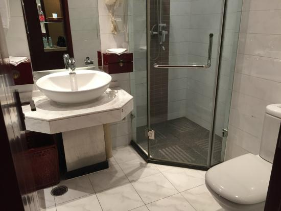 Merchantel Hotel : Bathroom