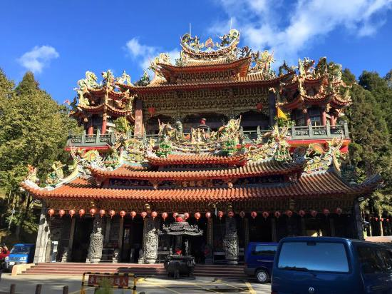 Buddist temple snacks and souvenirs are around this area picture
