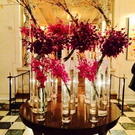 The Mansion Restaurant at Rosewood Mansion on Turtle Creek : A welcoming sight!