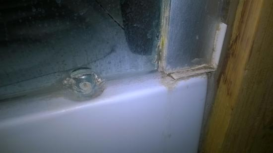 Roubaix, França: résidu de savon paroi de douche