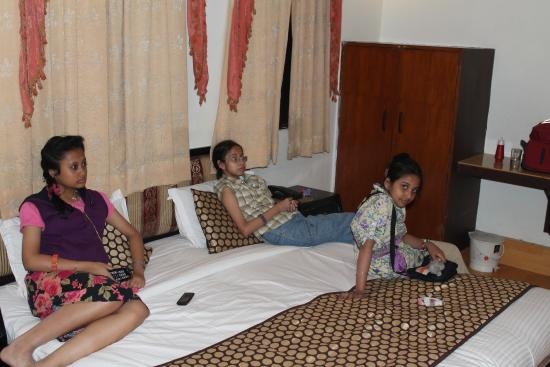 Hotel Suncity International: KIDS ENJOYING