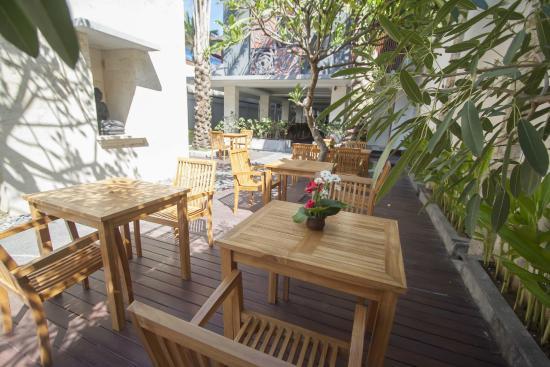 Fourteen Roses Hotel: D'Roses Restaurant