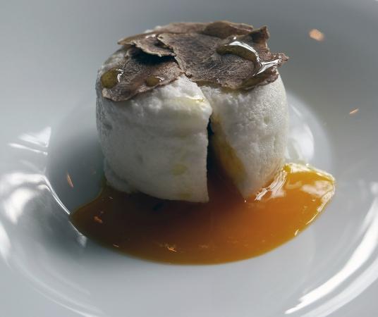 Restaurant Le Clos des Sens: un des mini plats découverte ...