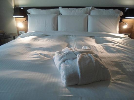 Картинки по запросу фото огромная кровать