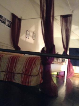 Romeo and Juliet B&B: Bedroom