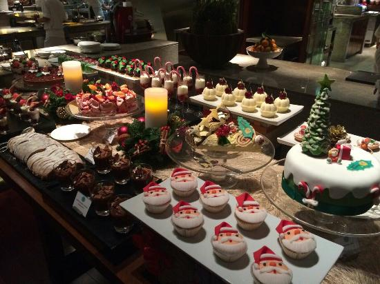 A sweet Xmas dream - Picture of 18 Degrees, Abu Dhabi - TripAdvisor