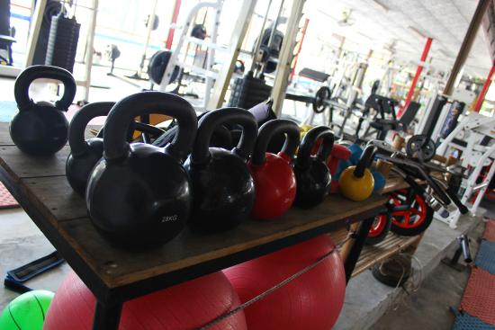 Koh Phangan Muay Thai and Fitness Gym: Kettlebells