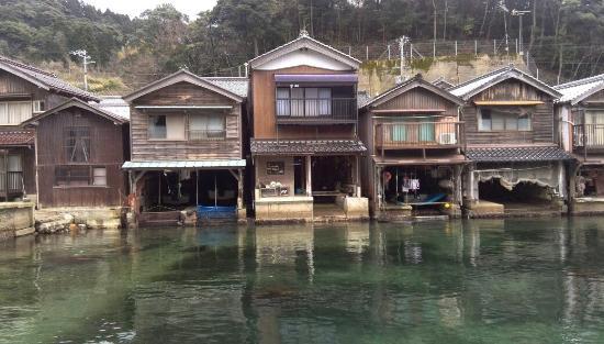 Ine no Funaya: 現存する最古の船屋