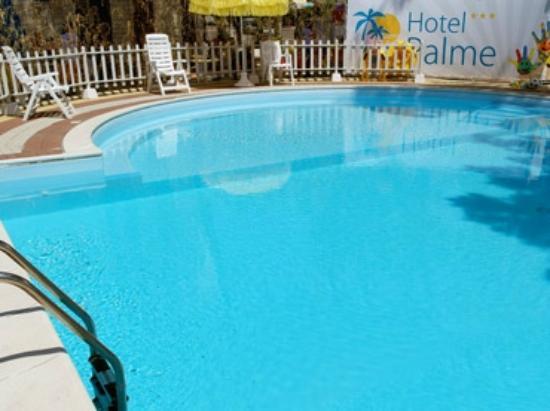 Hotel Palme: Piscina