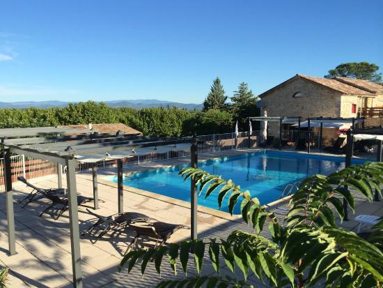 Mont Bouquet Lodge & Activity Center