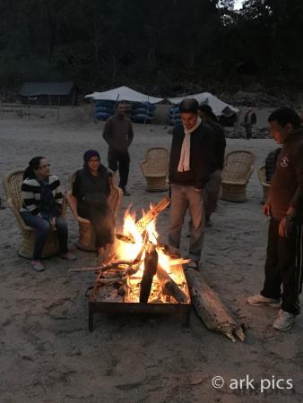Camp Silver Sands : Camp Fire