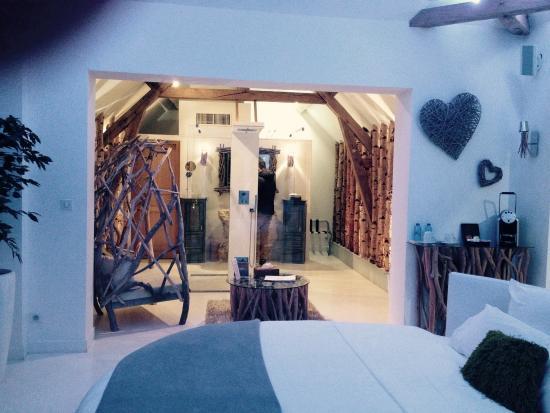 Suite nature salle de bain photo de le clos des vignes neuville bosc tripadvisor - Le clos des vignes neuville bosc ...
