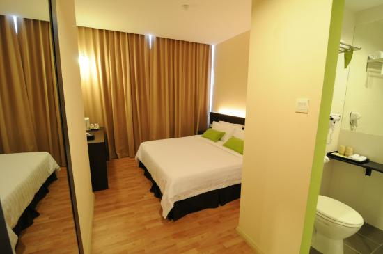 The LimeTree Hotel : Room - Deluxe with City View