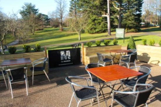 Garden Room Cafe Restaurant: Outdoor Seating