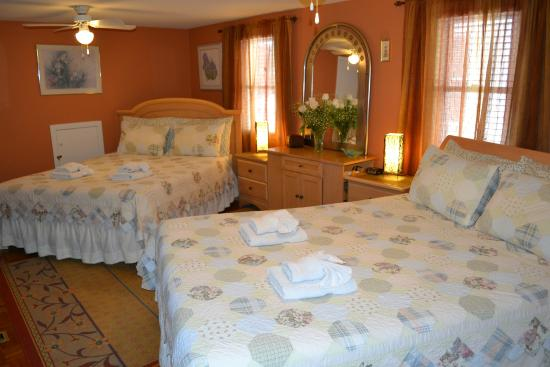 Williams Gate Bed and Breakfast Private Suites: Second Floor One Bedroom Suite