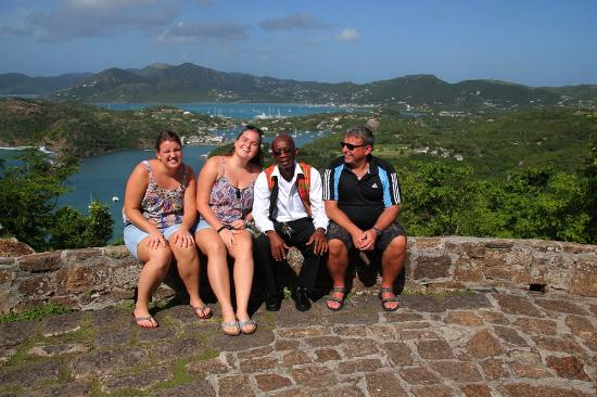 Lawrence of Antigua Tours : Foto mit Lawrence an einem unserer Stops