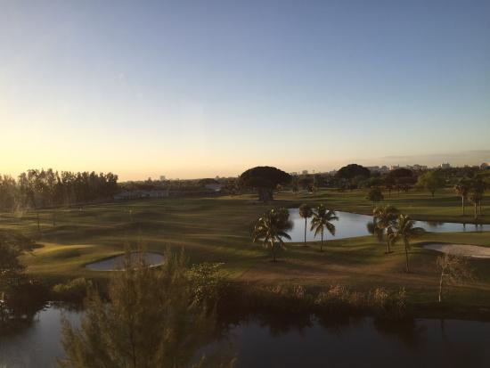 Sheraton Miami Airport Hotel & Executive Meeting Center: Visao para campo de golfe atras do hotel