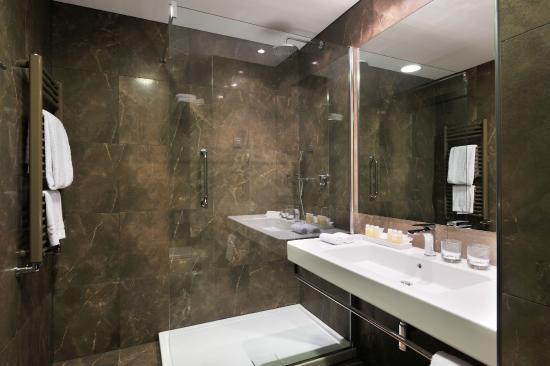Radisson Blu Plaza Hotel Ljubljana: Superior room - Shower