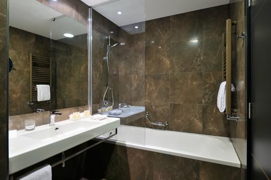 Radisson Blu Plaza Hotel Ljubljana : Superior room - bathtub