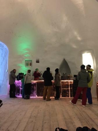 Iglu-Dorf Engelberg: Igloo Ice Bar